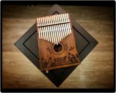 澳洲相思木全拼板內置拾音器箱式17音
